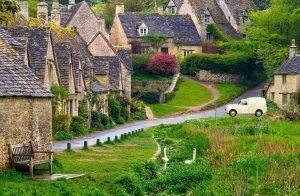 virtual Elsie in a village street